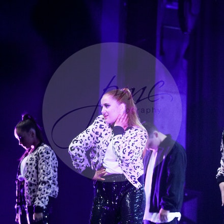 Senior Hip Hop - House Of Dance Disco ... beyond the mirror ball!