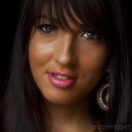 1 Renee - Portrait of Renee Lush utilising natural light only